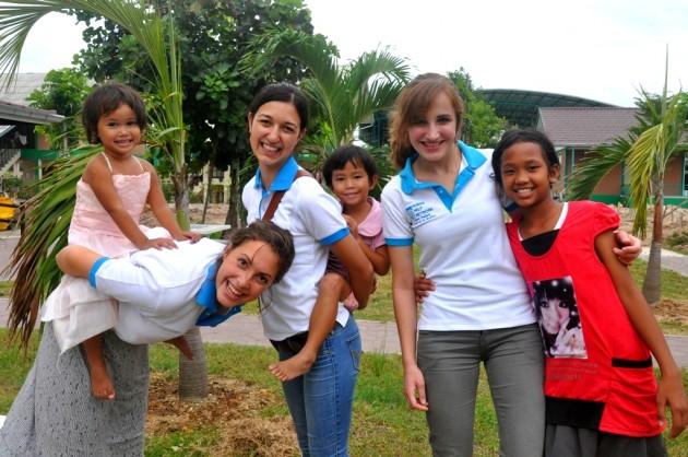 Alenas und Katharinas Freiwilligenjahr in Thailand