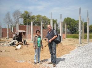 Kambodscha - Erweiterung der Grundschule zur Sekundarschule in Battambang Kambodscha macht Fortschritte