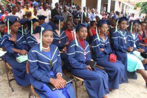 Neue Absolventen an der Ecole Polyvalente Carolus Magnus (EPCM)