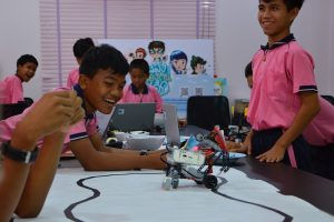 Robotik-Workshops im Kinderschutzzentrum der Human Help Network Foundation Thailand