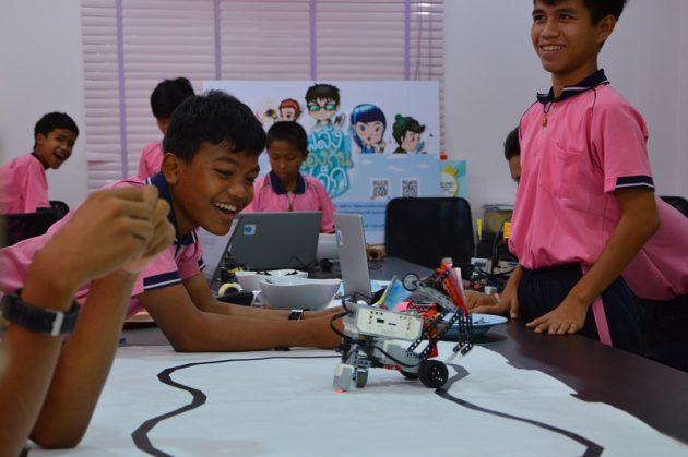 Robotik-Workshops im Kinderschutzzentrum der Human Help Network Foundation Thailand