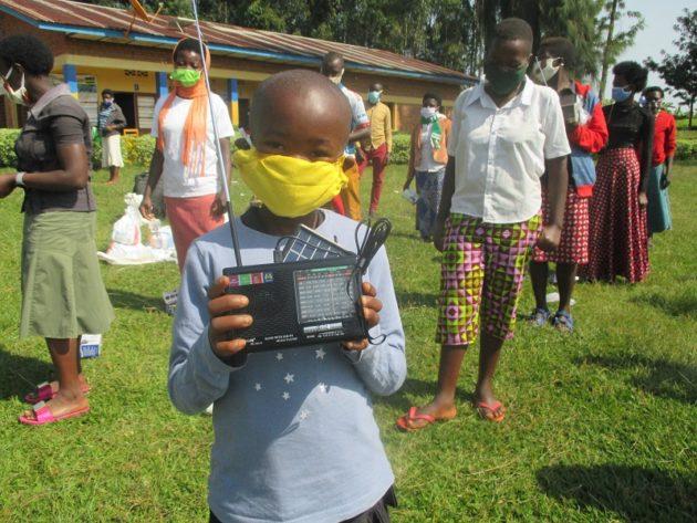 Zweite Hilfslieferung für Kinderfamilien in Ruanda